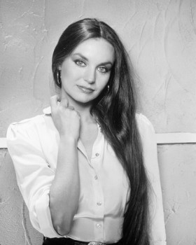"""100 Hits: Country Disc 2"" Crystal Gayle"